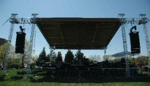 HOFSTRA OUT DOOR STAGE 07 054 1  327x1871
